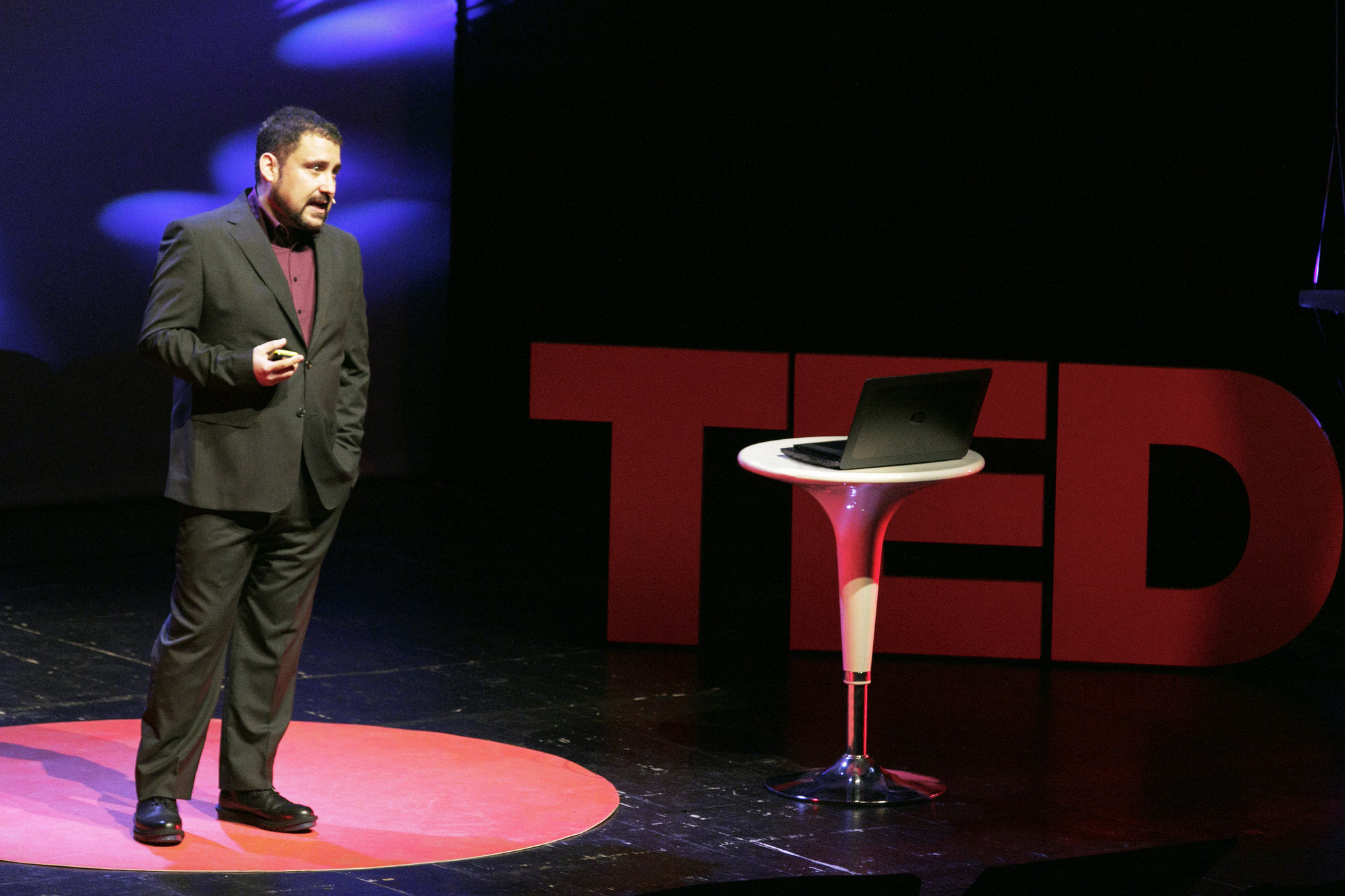 Victor Perez during his TED talk